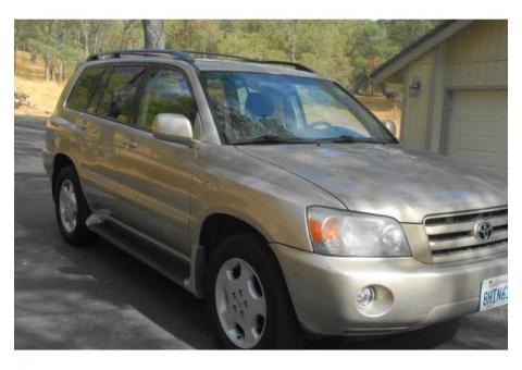 2004 Toyota Highlander Limited, 1 owner, 203,000 miles, gold/tan
