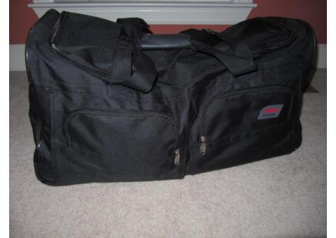 Rolling Duffle Bag / Suitcase